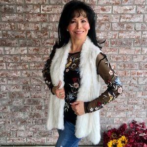 Elliat / White Knit Rabbit Fur Asymmetrical Vest S